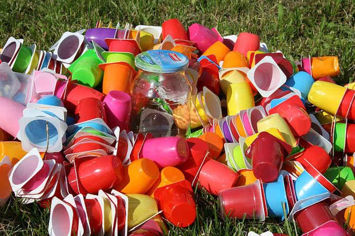 plastic cubs - waste